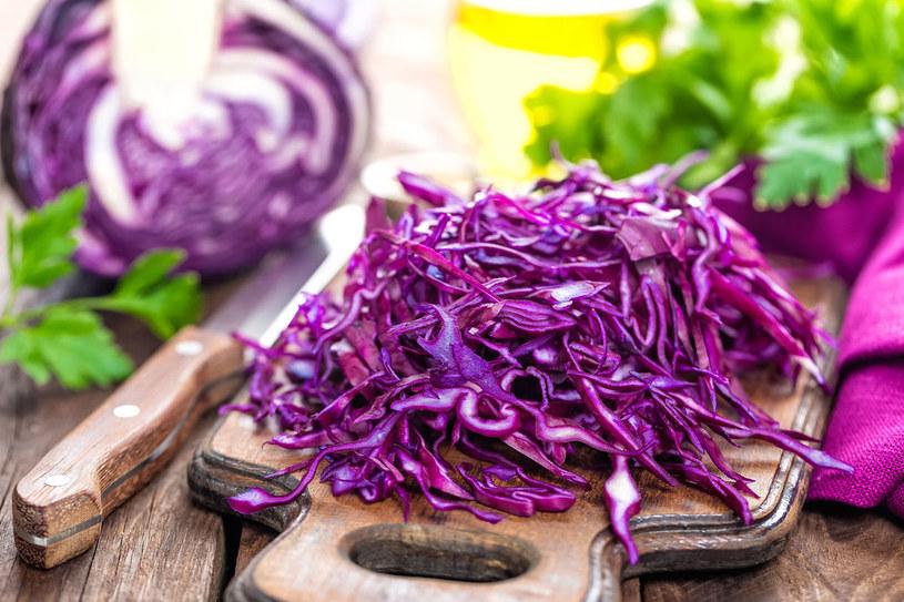 Żelazo oraz witaminy (A i  B12) - dla nich warto jeść czerwoną kapustę /Picsel /123RF/PICSEL