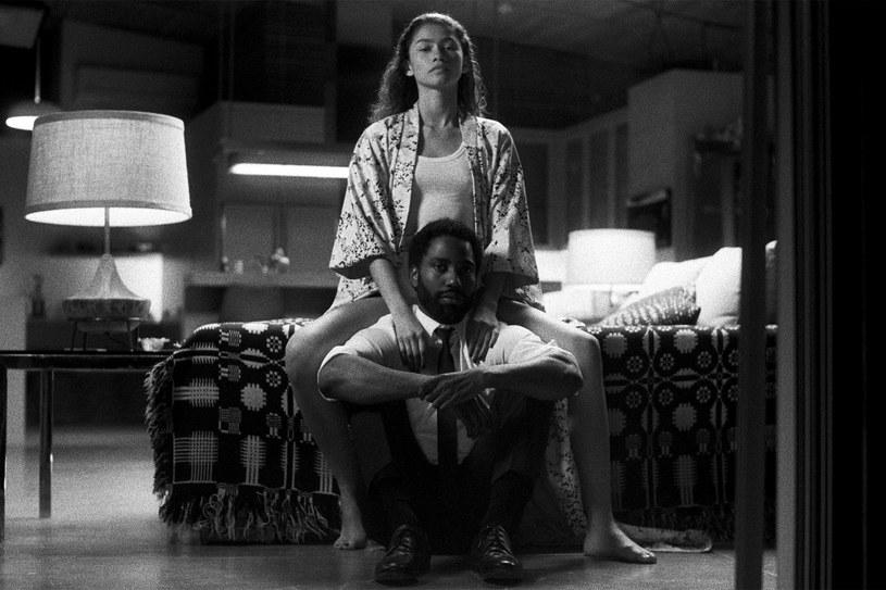 """Zendaya i John David Washington w scenie z filmu """"Malcolm i Marie"""" /materiały prasowe"""