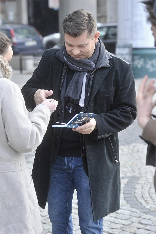 Zenon Martyniuk jest rozchwytywany przez fanów /Piętka Mieszko /AKPA