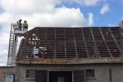 Zerwane dachy, połamane konary... Okolice Nakła po nawałnicy