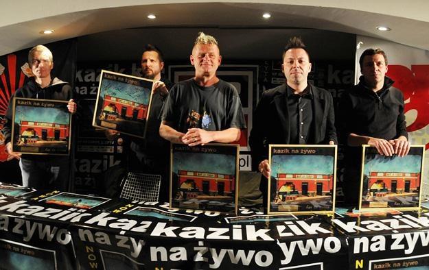 Zespół Kazik Na Żywo prezentuje swoje najnowsze dzieło /fot. Konrad Jaraszek