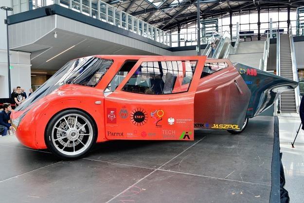 Zespół Lodz Solar Team zaprezentował Eagle Two. Źródło: Politechnika Łódzka /