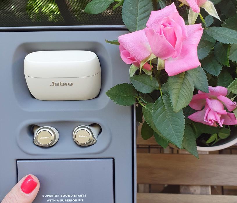Zestaw Jabra Elite 75t docenią wielbicielki urządzeń eleganckich /materiały prasowe