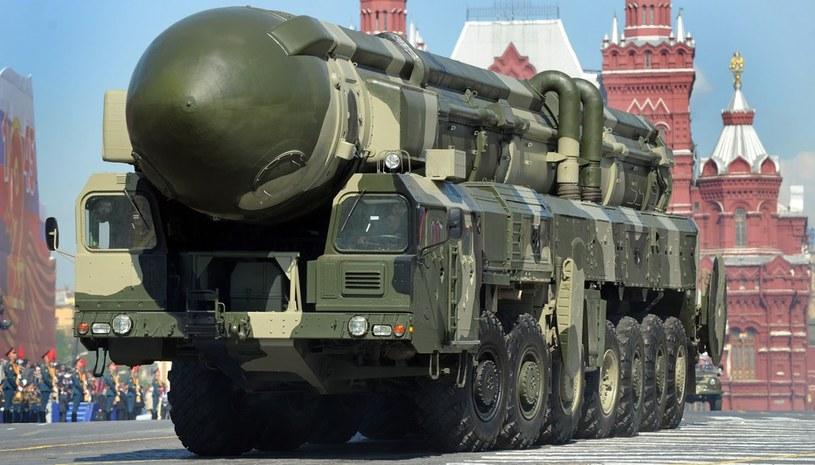 Zestaw Topol-M w czasie parady w Moskwie 9 maja 2012 roku /AFP
