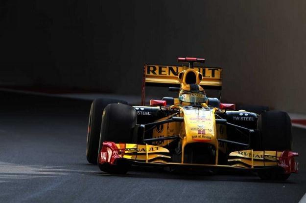 Zeszłoroczny bolid Renault /