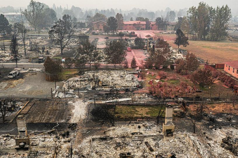 Zgliszcza po pożarach w Oregonie, na zdjęciu miejscowość Talent /Nathan Howard / GETTY IMAGES NORTH AMERICA / Getty Images via AFP /AFP