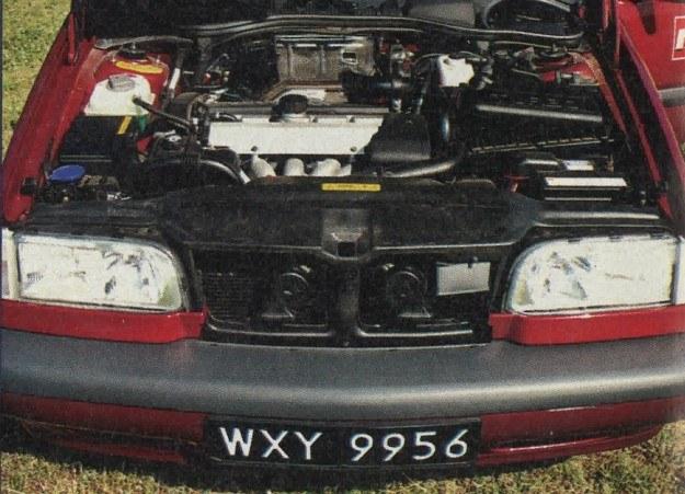 Zgodnie z modą Volvo 850 T5 napędzane jest silnikiem pięciocylindrowym. Wg norm ECE zużywa on 6,9/8,5/12,9 l/100 km. /Motor