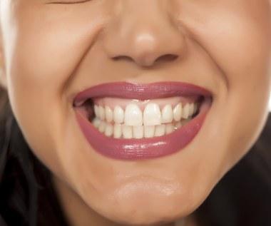 Zgrzytanie zębami: Co oznacza? Przyczyny, jak leczyć