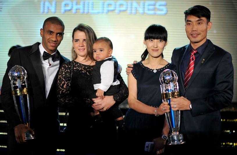 Zheng Zhi (pierwszy z prawej) /AFP