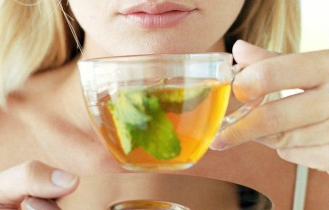 Zielona herbata a odchudzanie /© Photogenica
