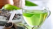 Zielona herbata leczy naczynka na twarzy