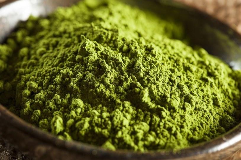 Zielona herbata ma wiele zalet /123RF/PICSEL