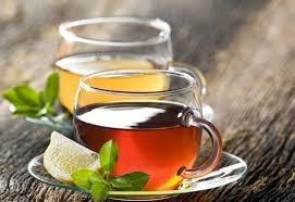 Zielona i czarna herbata właściwości /© Photogenica