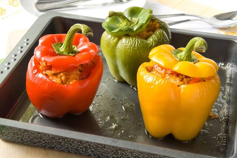 Zielona papryka zawiera tylko 19,6 kcal na 100 g /123RF/PICSEL