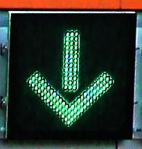 Zieloną strzałką oznaczone są bramki autostradowe, z których można korzystać. /Motor