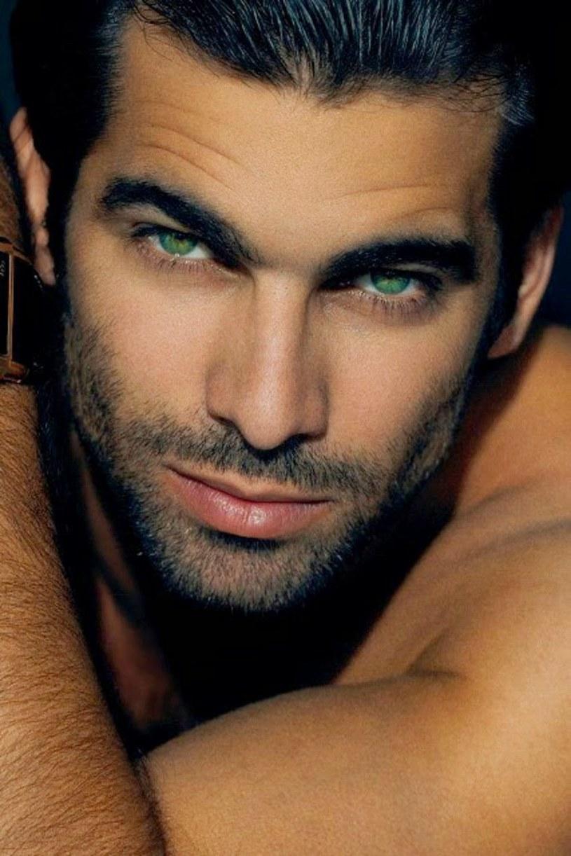 zielone oczy u mężczyzn /© Photogenica