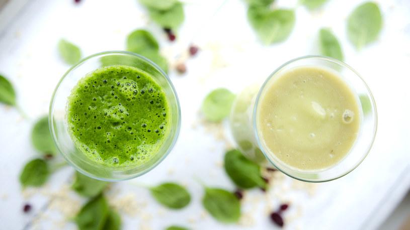 Zielone smoothie w dwóch odsłonach /INTERIA.PL