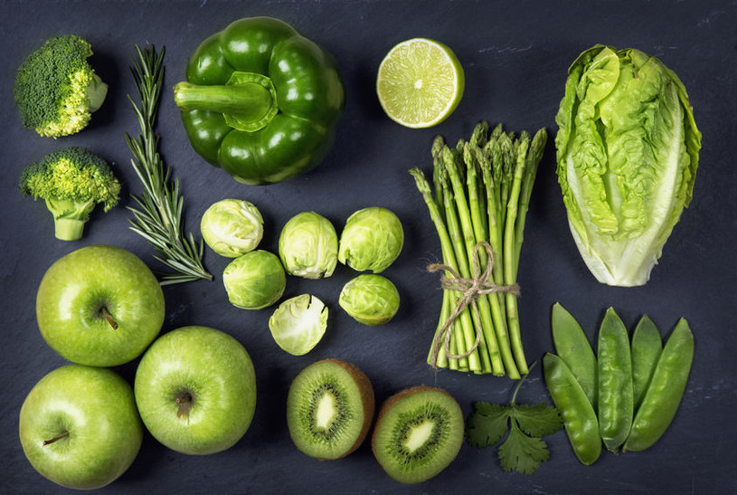 Zielone warzywa i owoce /©123RF/PICSEL