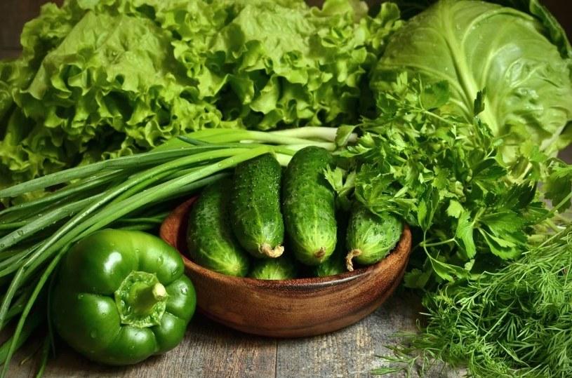 Zielone warzywa to źródło kwasu foliowego /123RF/PICSEL