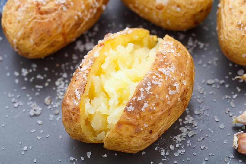 Ziemniak pieczony /©123RF/PICSEL