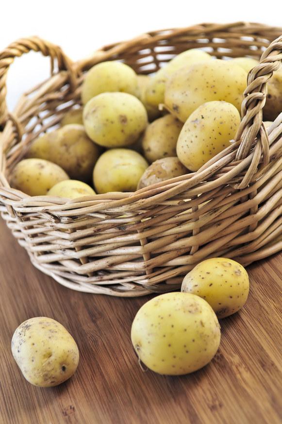 ziemniaki surowe /© Photogenica