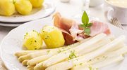 Ziemniaki ze szparagami i szynką