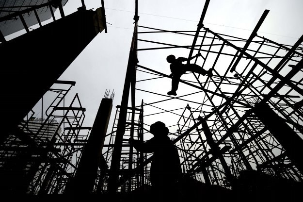 Zima dała się nieco we znaki firmom budowlanym, ale nie tak bardzo jak można było przypuszczać /AFP