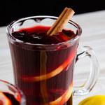 Zimą do alkoholowych drinków i koktajli warto dodawać odrobinę masła