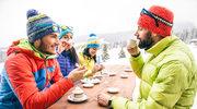 Zima, podróż i... przeziębienie. Jak zabezpieczyć się przed infekcjami podczas zimowiska?