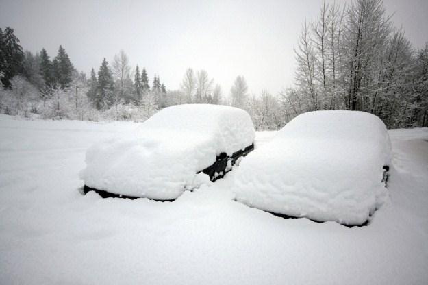 Zima to ciężki okres dla kierowcy /