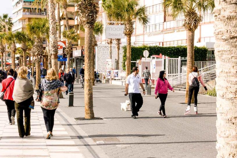 Zima w Alicante nie jest dokuczliwa /123RF/PICSEL
