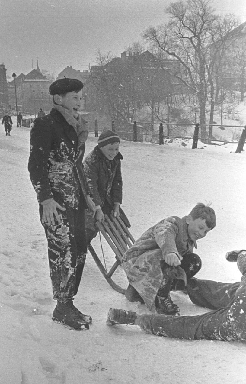 Zima w PRL, lata 50. /Tadeusz Rolke /INTERIA.PL
