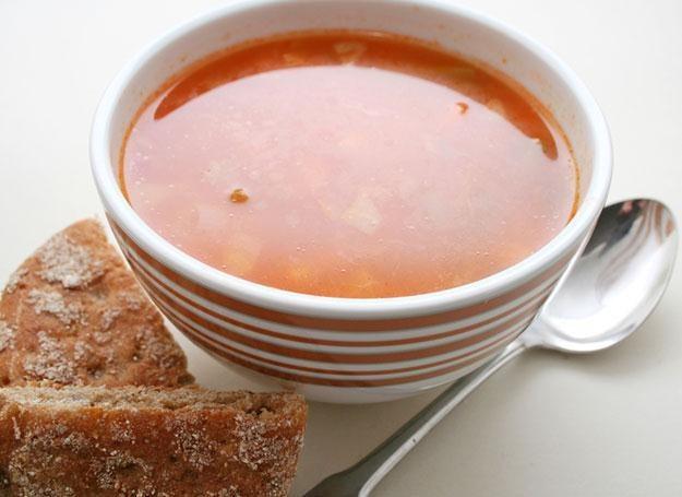 Zimą warto przygotowywać zupy gęste, z dużą ilością warzyw /© Panthermedia