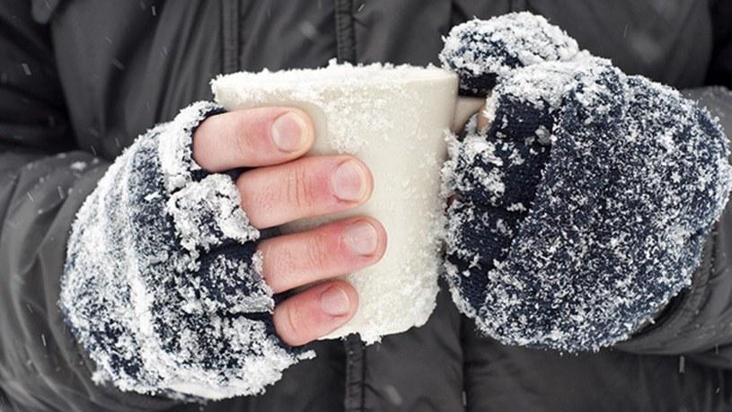 zimne ręce /© Photogenica
