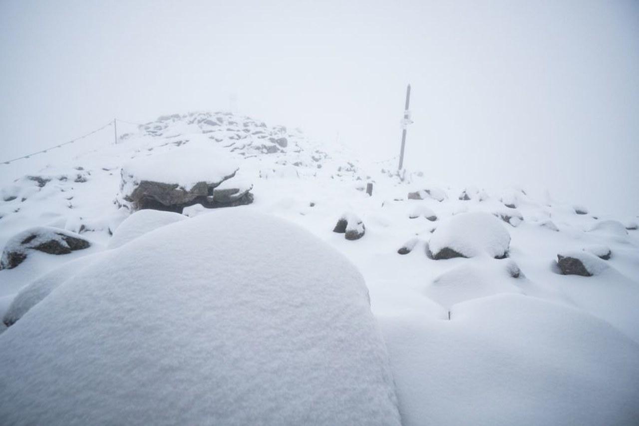 Zimowy poranek w Tatrach. Biało m.in. na Kasprowym Wierchu