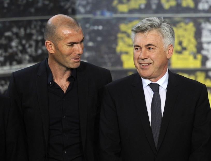 Zinedine Zidane (z lewej) został asystentem Carlo Ancelottiego. Czy do sztabu dołączy też Fabio Cannavaro? /AFP