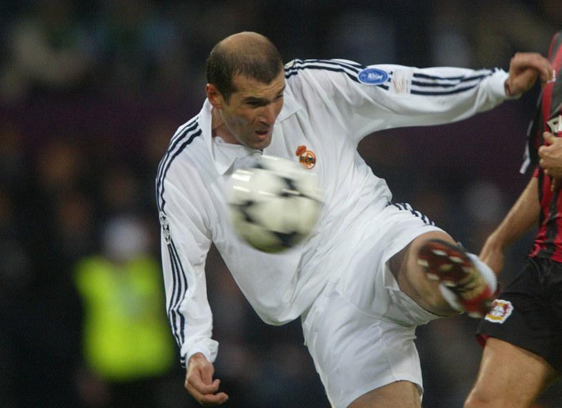 Zinedine Zidane zdobywa drugą bramkę dla Realu /AFP