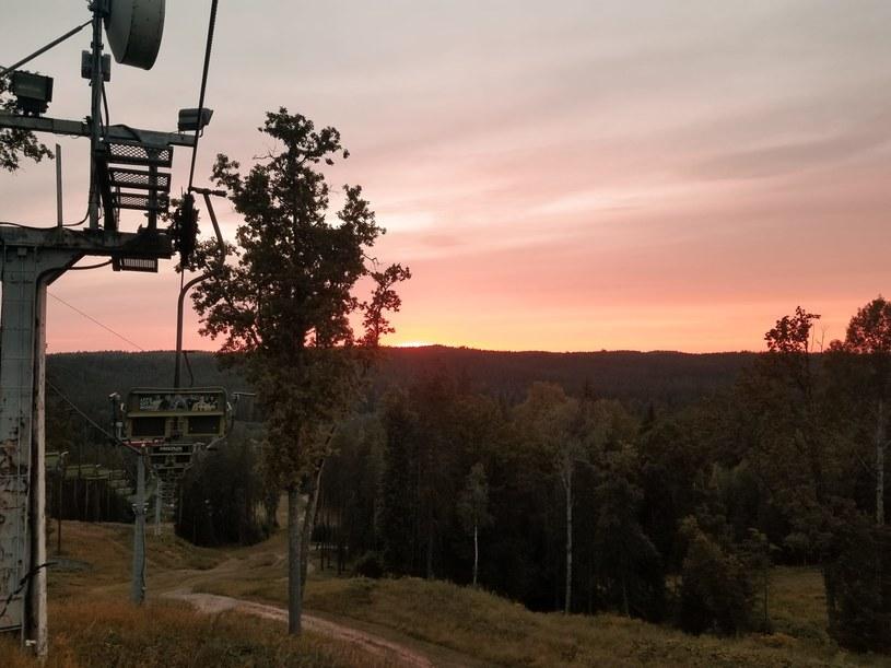 """Zjawisko """"białych nocy"""" jest normą na Łotwie. Wówczas na niebie można obserwować zachwycające zachody słońca, które trwają godzinami /Karolina Iwaniuk  /archiwum prywatne"""