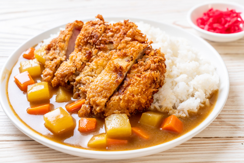 Zjedz ryż na samym końcu - dzięki temu będziesz mieć mniejszą ochotę na słodycze /123RF/PICSEL