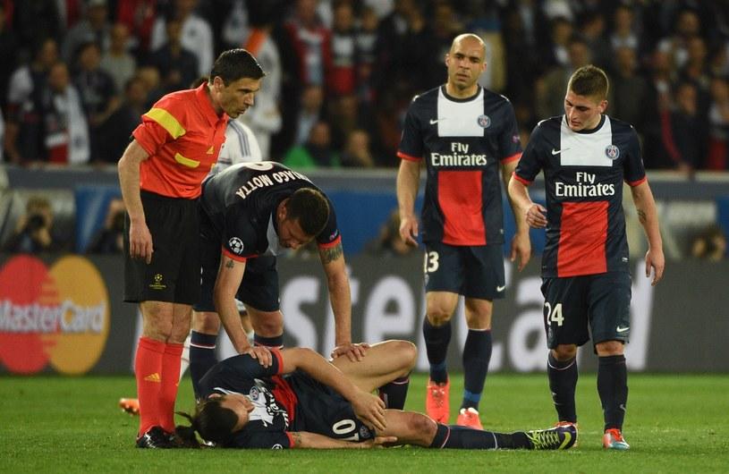 Zlatan Ibrahimović doznał urazu podczas środowego meczu z Chelsea /AFP