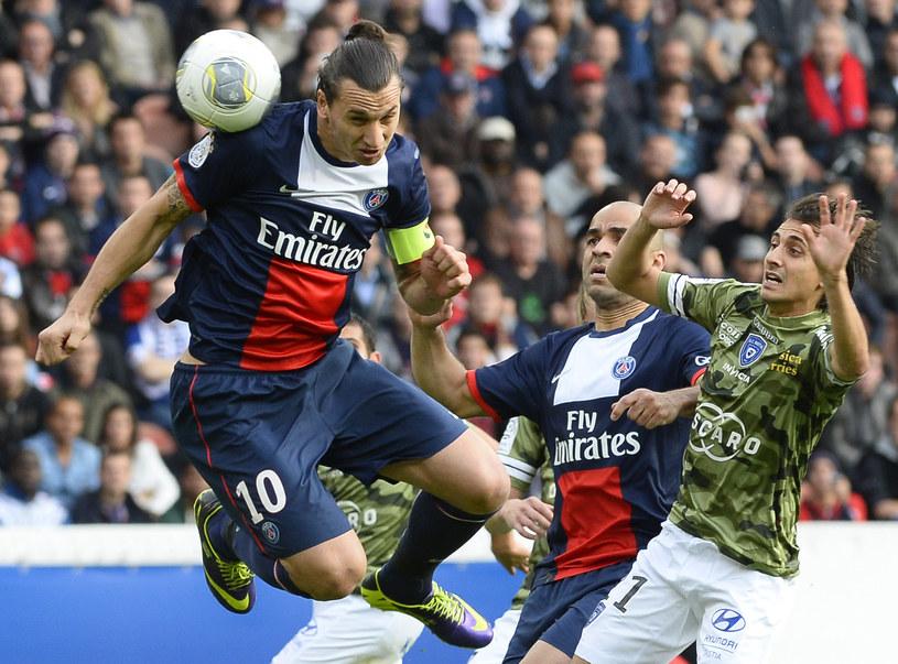 Zlatan Ibrahimović w 3 minuty 2 razy pokonał bramkarza rywali /AFP