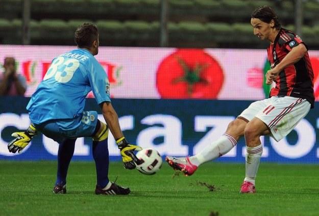 Zlatan Ibrahimović (z prawej) jest przyzwyczajony do wyższego standardu podróży /AFP