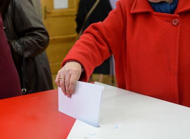Złe karty do głosowania w jednym z lokali wyborczych w Krakowie