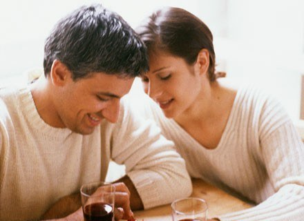Źle okazywane wsparcie ze strony współmałżonka może zaszkodzić związkowi bardziej niż jego brak