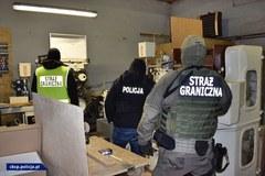 Zlikwidowana nielegalna fabryka papierosów