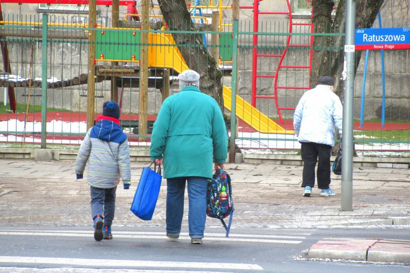 Żłobki, przedszkola i szkoły pozostają zamknięte /Marek BAZAK/East News /East News