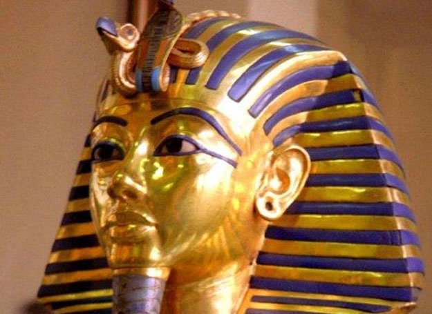Złota maska Tutenchamona odkryta w grobowcu tego faraona /MWMedia