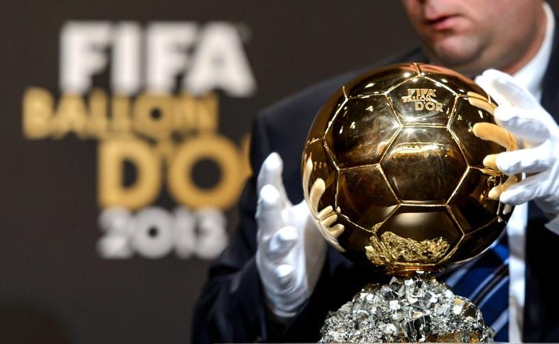 Złota Piłka to jedna z najbardziej prestiżowych nagród /AFP