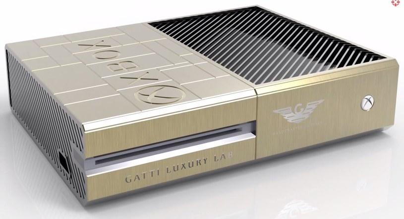 Złota wersja konsoli Xbox One - zdjęcie pochodzące z serwisu YouTube.com /materiały prasowe