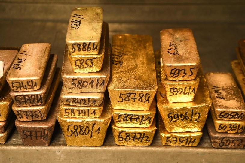 Złoto może stać się najdroższą walutą /AFP